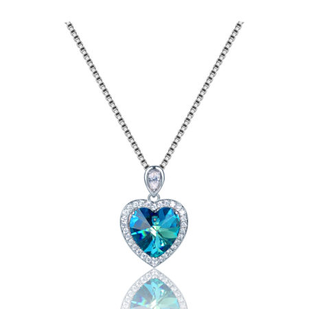 Diamond-crystal-pendant-necklace